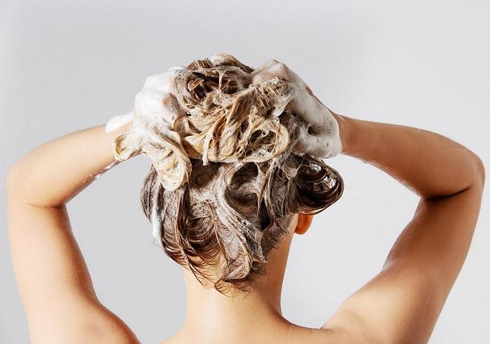 Şampuanını değiştir