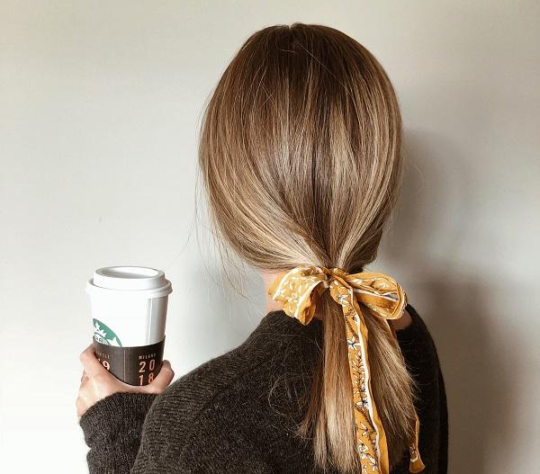 Sade saç tokaları kullan
