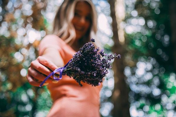 Lavanta bitkisinin saça faydaları