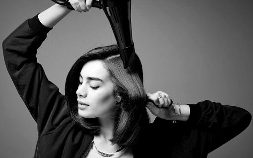 Kısa saçlı kadınlar için doğal su dalgaları