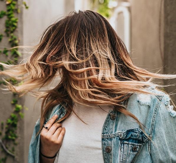 Platin ombre saç rengi nasıl elde edilir?