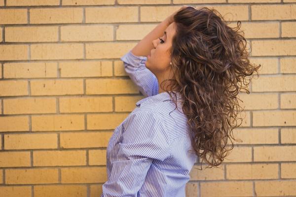 saçları havalandırmak ile ilgili görsel sonucu