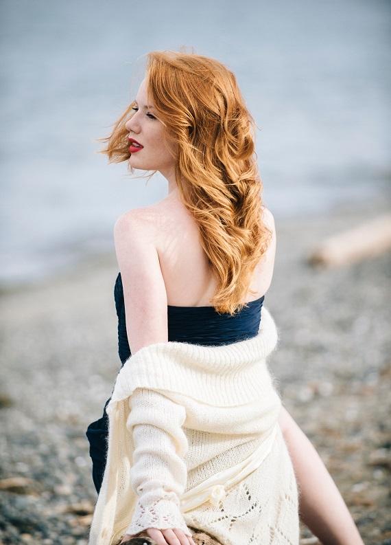 Hem çekici hem de gizemli görünüm: Dalgalı kızıl saçlar