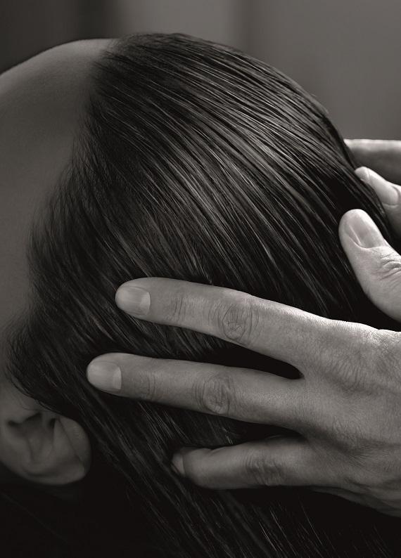 Yepyeni bir saç bakımı ritüeli: Saç Detoks Programı