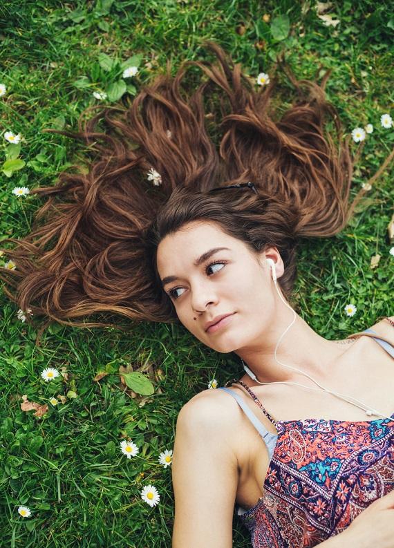 Mevsimsel Saç Dökülmesi Nedir ve Mevsime Göre Nasıl Önlenir?