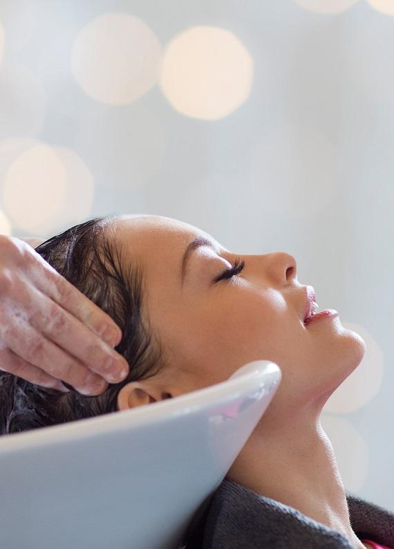 Dünya Kadınlar Günü'nde saçlarının yenilendiğini hisset!