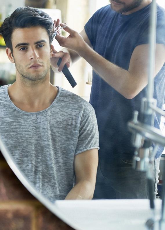 Erkeklere özel kısa düz saç modelleri
