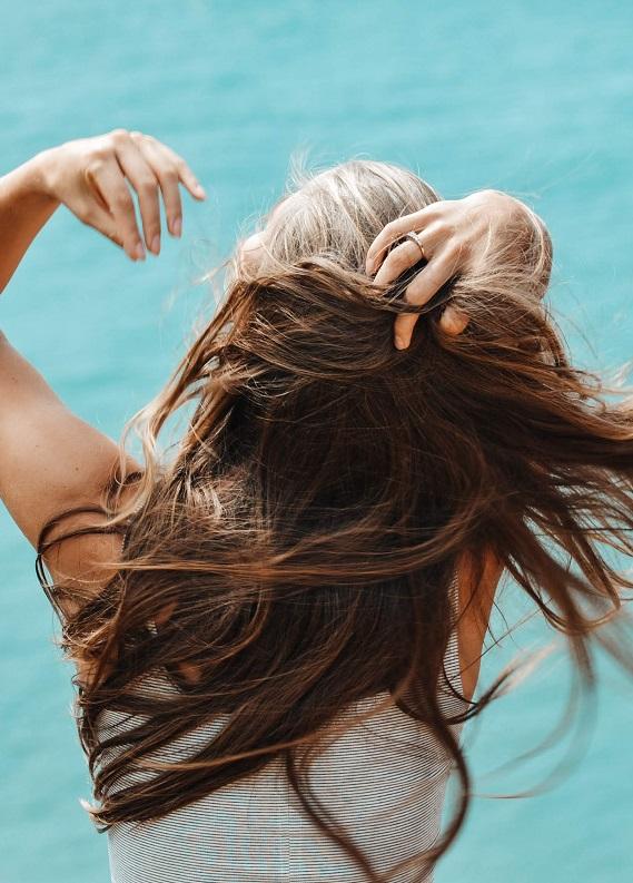 Kuru Şampuan Nedir ve Ne İşe Yarar?