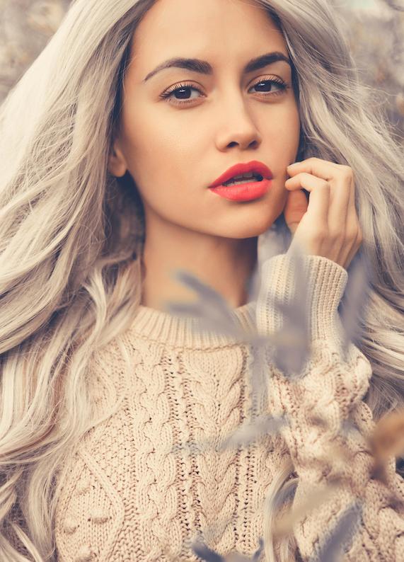 En yeni ve çılgın saç trendi : Gri saç modası