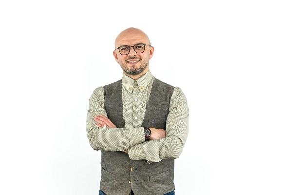 Jr. Metin Bahçecik'ten: En İyi Kuaför!