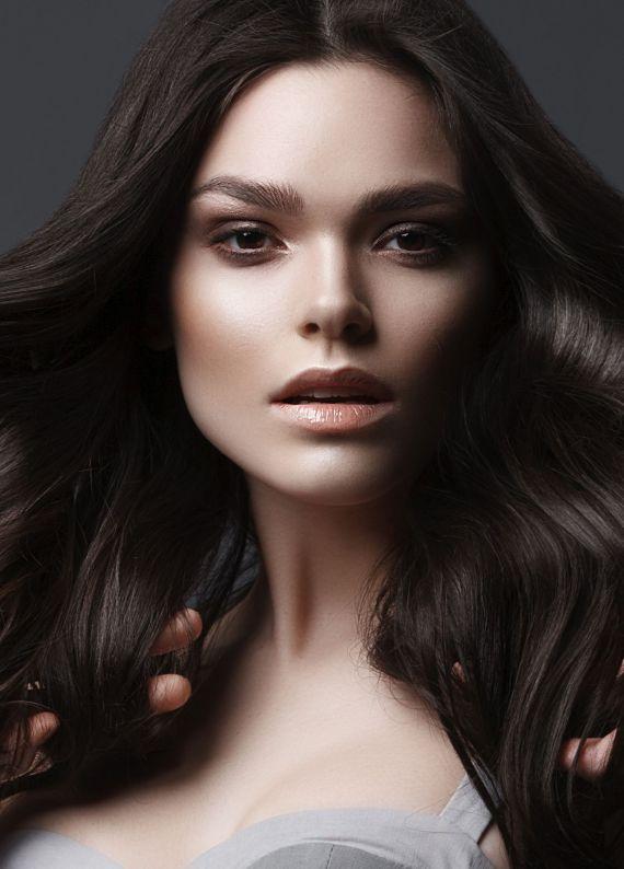 Kuru saçlarla baş etmek için bilmen gereken 4 ipucu