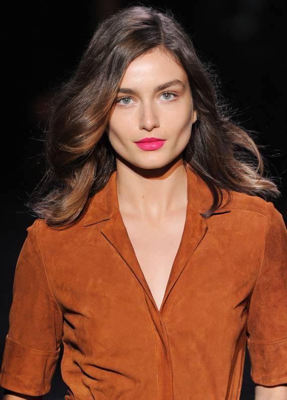 Yenilik zamanı: 5 farklı orta uzun saç kesimi