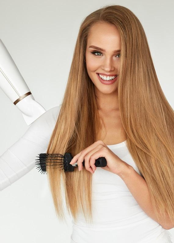 Süper bir saç modelini gün boyunca korumanın 7 yolu