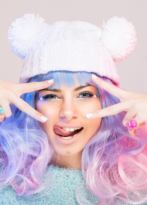 """Yeni yıla farklı bir görünümle gir: """"Unicorn Hair"""" trendi"""