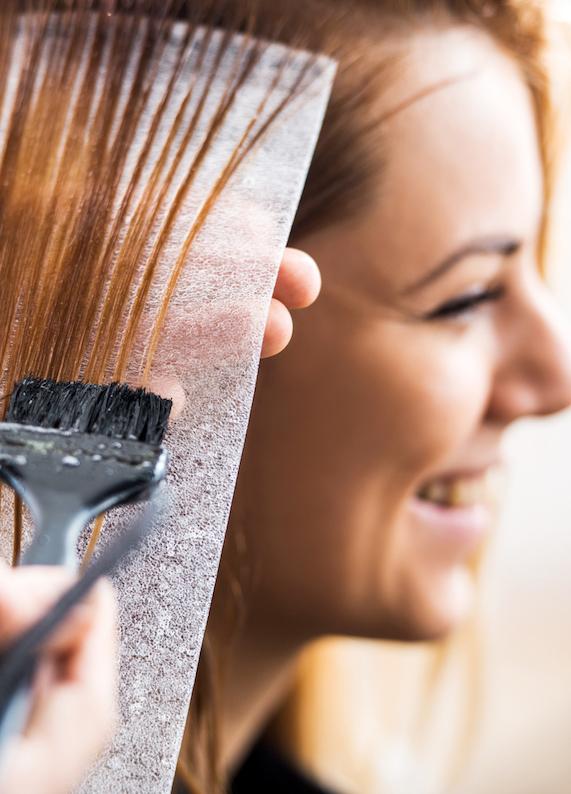 90'ların trendi geri döndü: Meçli saçların dönüşü!