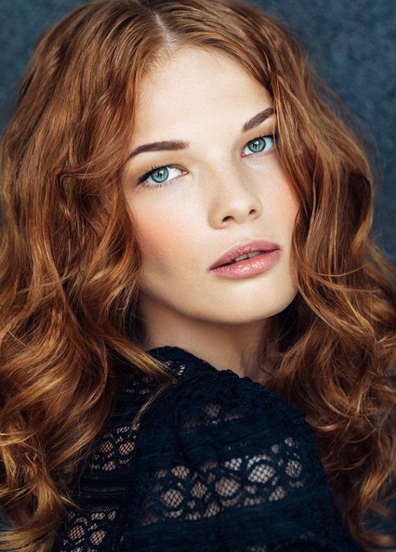 Boyalı saçlara özel renk yenileyici saç bakımı