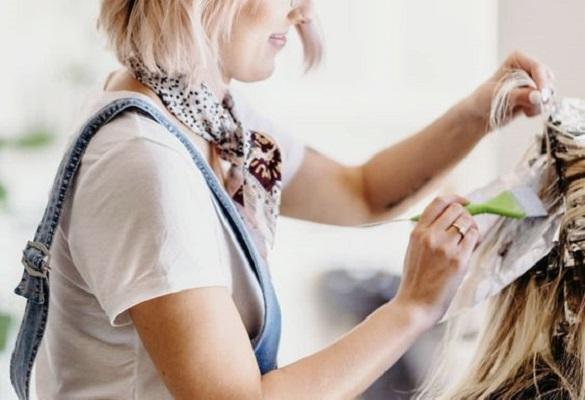 Saç rengini mi değiştireceksin? Kuaförde saç boyatman için 10 sebep!