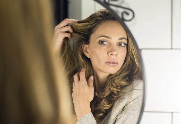 Alışkanlıkların yüzünden saçlarının kepeklenme ihtimali var mı?