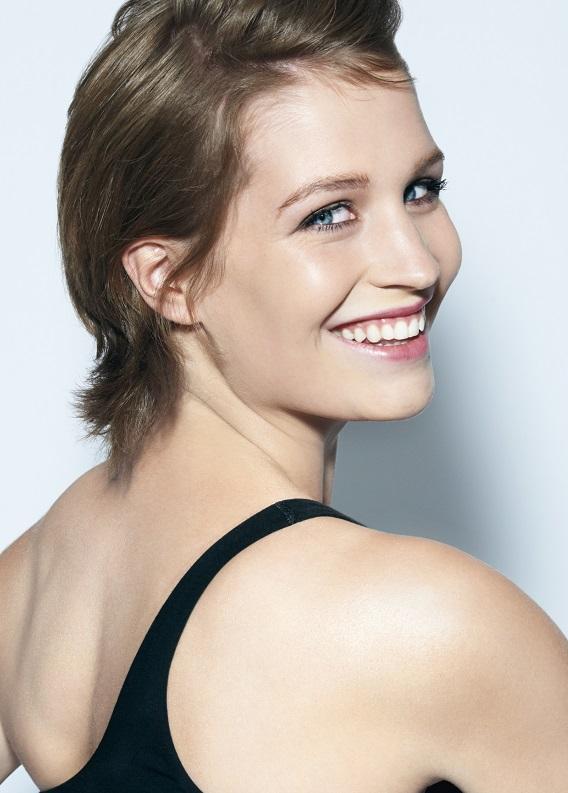 Sonbaharın trendy kızı olmaya ne dersin: Kısa, kahverengi saç modelleri