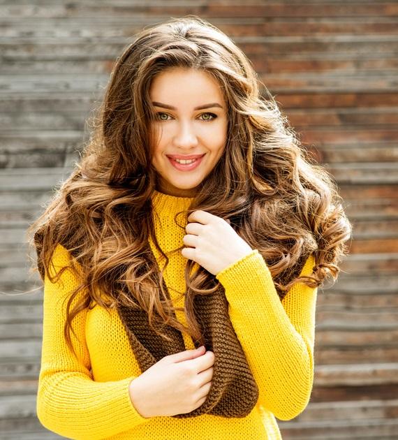 Kahverengi uzun saçlar için saç stilleri