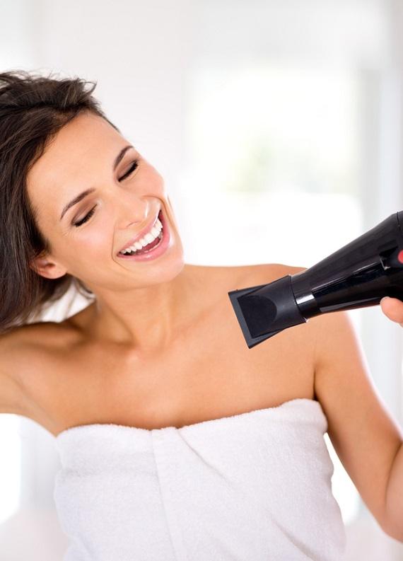 Saç kurutma makinesini temizliyor musun?