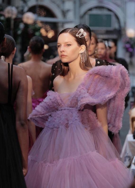 Fashion Week İstanbul 2019: 3. ve 4. gün defilelerinden en güzel saç modelleri!