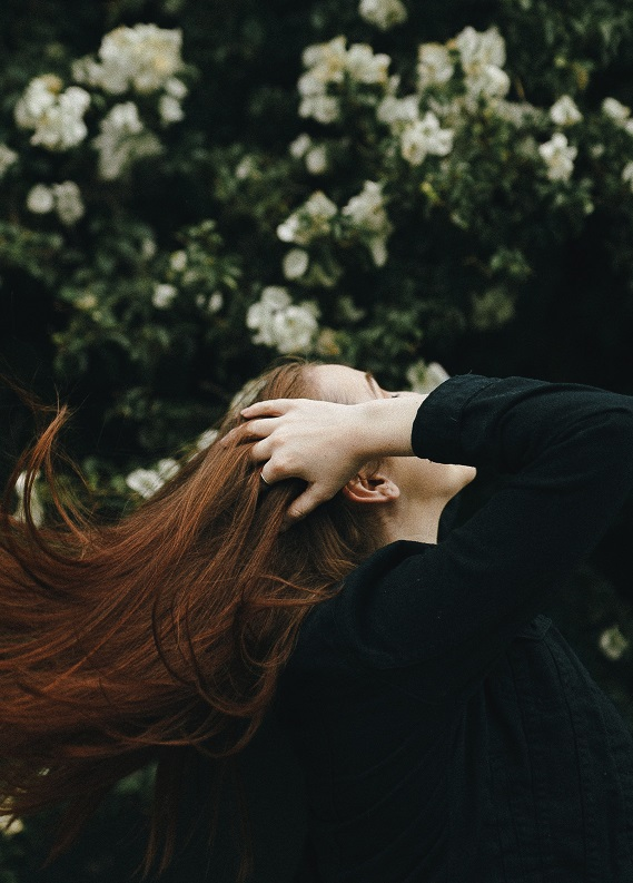 3 Mucizevi Kil: Ağırlaşmayan bakımlı saçlara sahip olmak artık hayal değil!