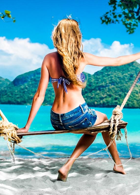 Deniz, güneş, havuz... Bu yaz saçlarının yıpranmasına engel olacak bir önerimiz var!