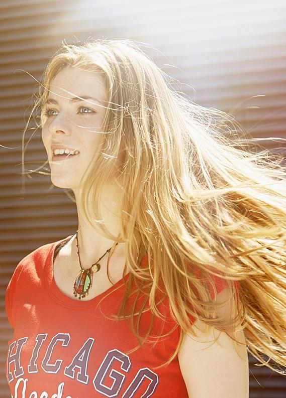 Altın ışıltısında saçlar: Sana ilham verecek altın sarısı saç renkleri
