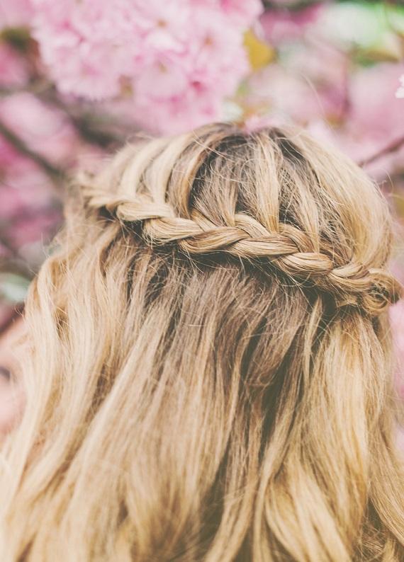 Sabah hazırlanırken uygulanabilecek 4 pratik yaz saçı