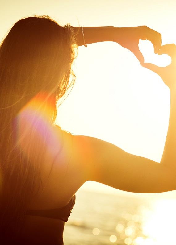 Bu yaz saçlarının mis gibi kokması, yumuşacık, parlak olması için ihtiyacın olanları açıklıyoruz!
