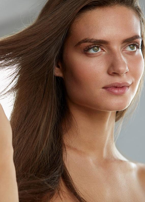 Yeni yılda daha sağlıklı görünen, pürüzsüz saçlara sahip olabilirsin!