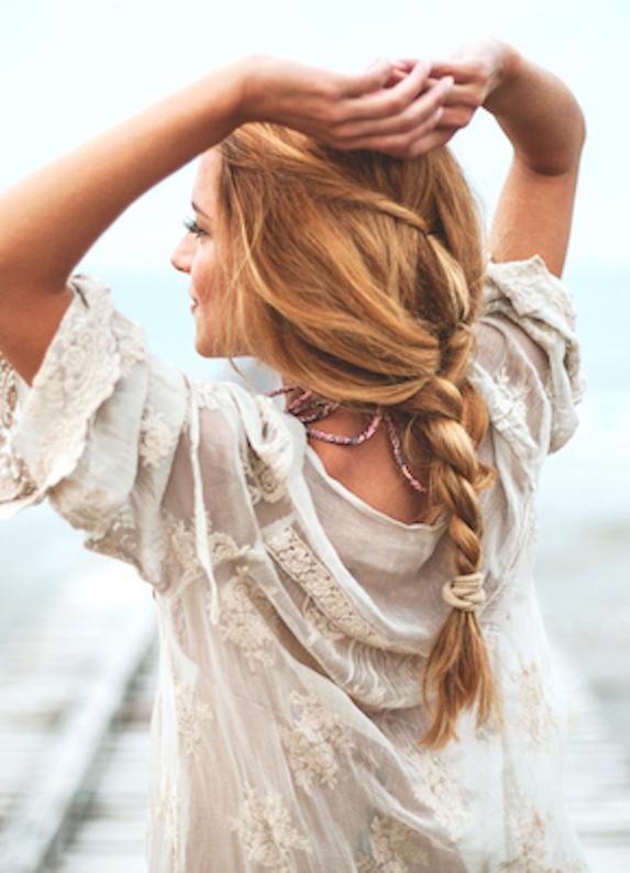 Plaj için trendy saç modelleri: Sahilin en gözde kızı sen ol!