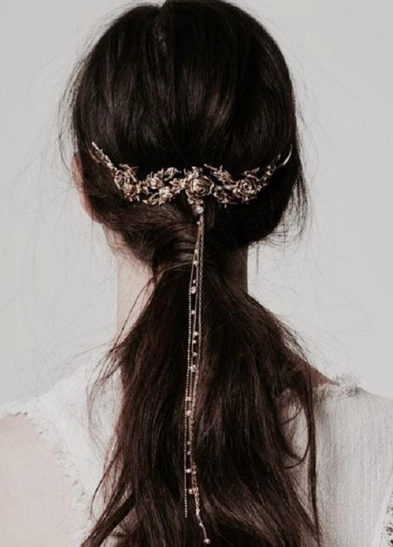 Yeni trendi keşfet: Metal saç aksesuarları!