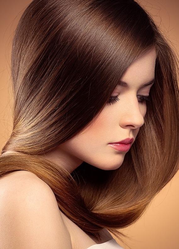 Hem boyalı hem de bakımlı saçlar: Arı sütünün saça faydaları