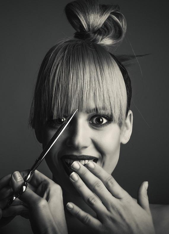Saçını önce kestirmeli misin, yoksa boyatmalı mı? Doğru sıralama hangisi?