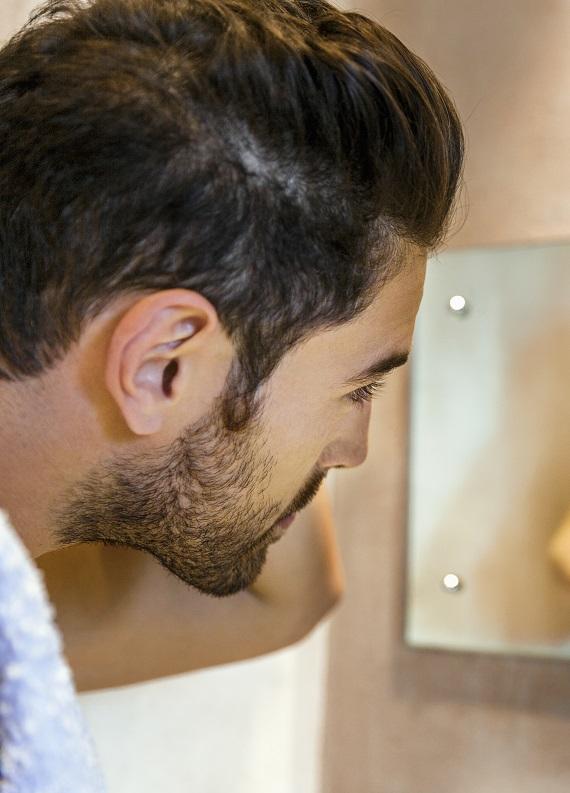 Erkeklere özel: Saç bakımı ile ilgili sık sorulan 5 soru ve cevapları