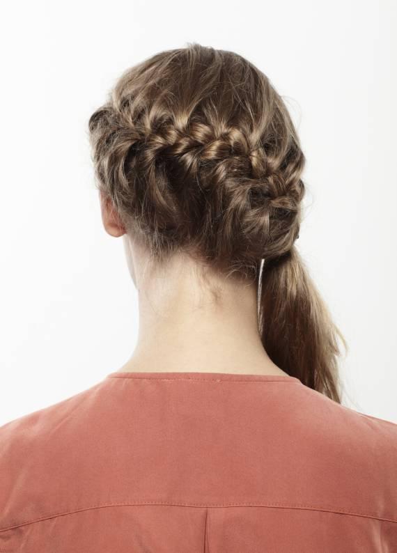Güzellik rehberi: Saçlarını 4 adımda daha iyi ör