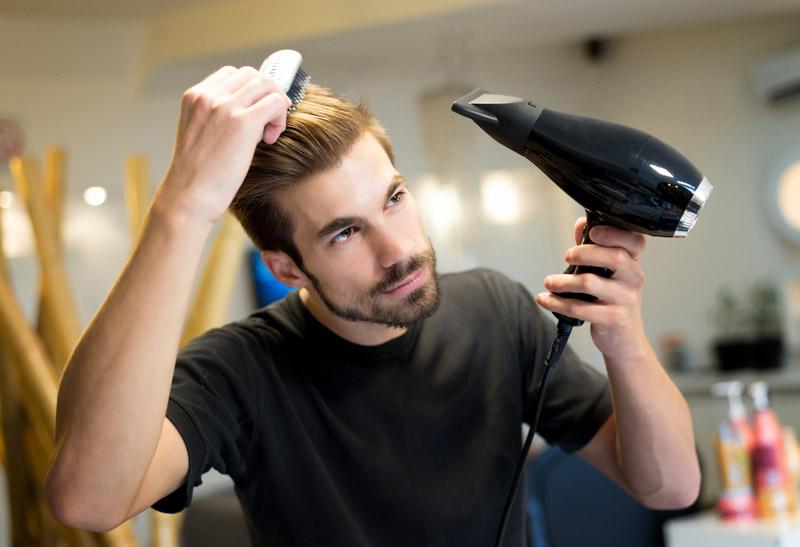 Erkekler İçin Saç Düzleştirme Yöntemleri