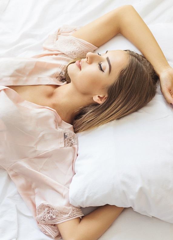 Uyandığında saçlarının muhteşem görünmesi için neler yapman gerekiyor?