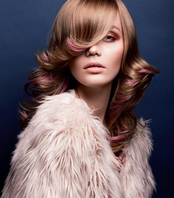 İçindeki yaratıcılığı saç rengine yansıtmaya ne dersin?