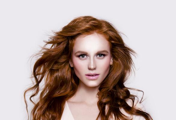 Koyu Saçlarda Bile Etkili Tarçın Bakır Saç Rengi