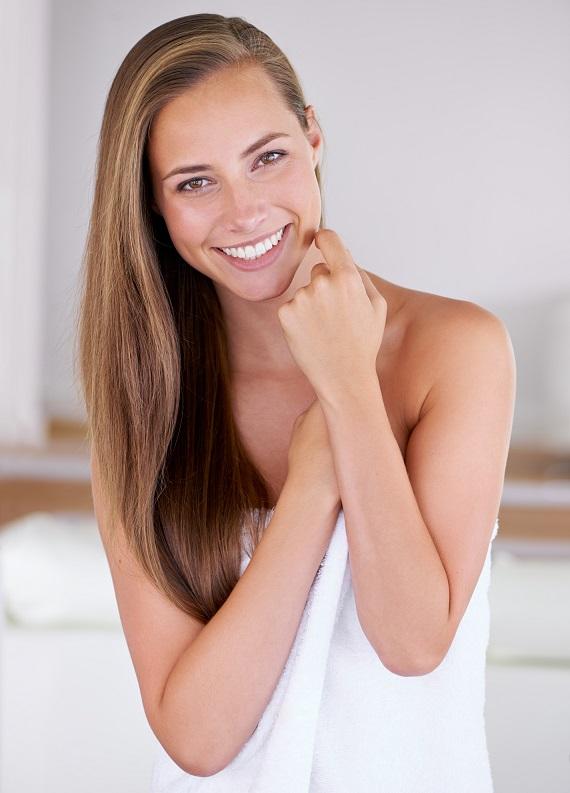 Yaz kokan ve 2 kat besleyici Hindistan Cevizi Yağı ile saç bakımına ne dersin?
