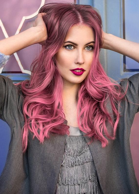 En yeni renkli saç trendi: Opal saçlar
