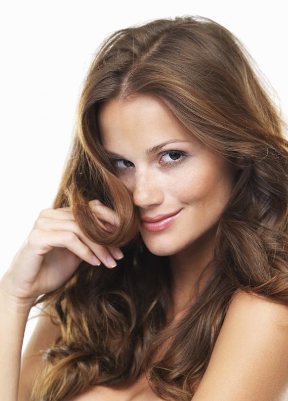 Saç düzleştiricisi ile saçlarını nasıl dalgalandırabilirsin?