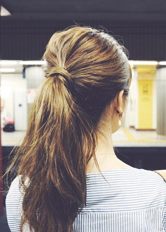 Seyahate uygun saç stilleri: Hem rahat, hem şık ol!