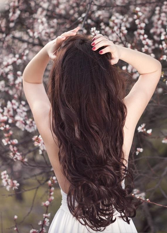 Bahar bakımı: Yeni mevsimi yumuşacık saçlarla karşıla!