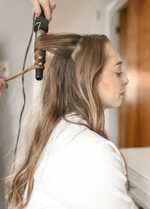 Saç düzleştiriciden, maşadan vazgeçemeyenler buraya: Hayatınızı değiştirecek bakım kremi!