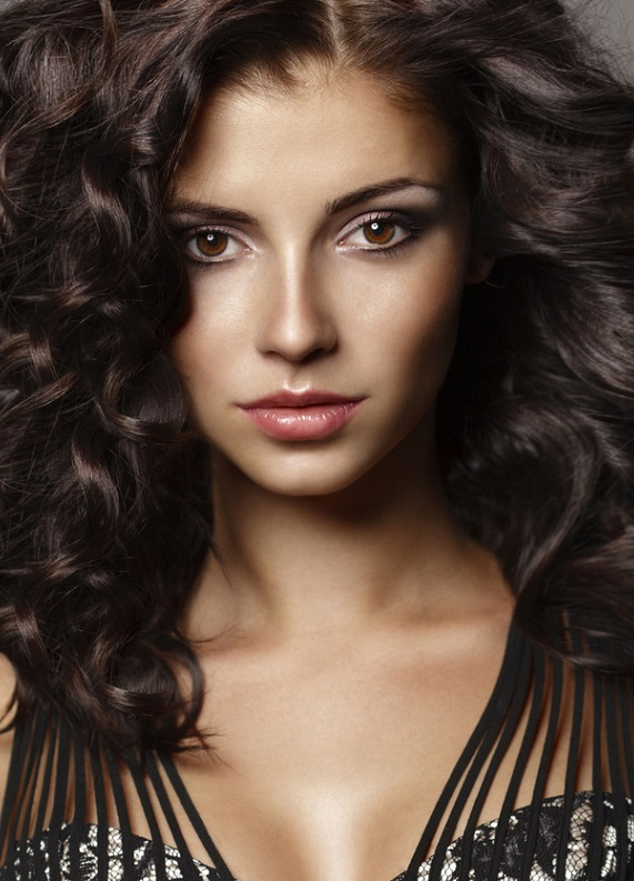 Akrep kızlarına özel saç stilleri