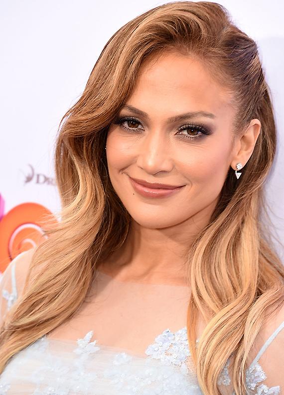 Jennifer Lopez: Vintage esintili saç stilini kopyala